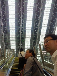 大阪駅を散策