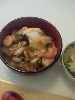 朝から中華丼。